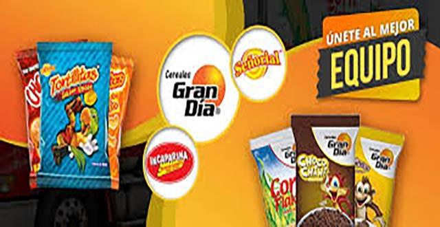 Logotipo de Central de Alimentos y las marcas de sus productos en un fondo anaranjado
