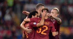 roma-palermo-esultanza-giocatori-2