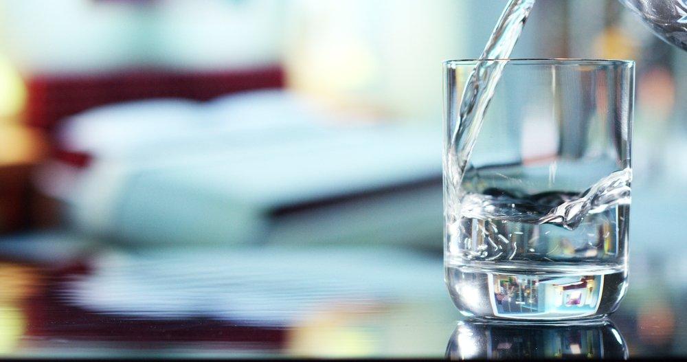 Acqua Distillata Cosè A Cosa Serve E Come Farla In Casa