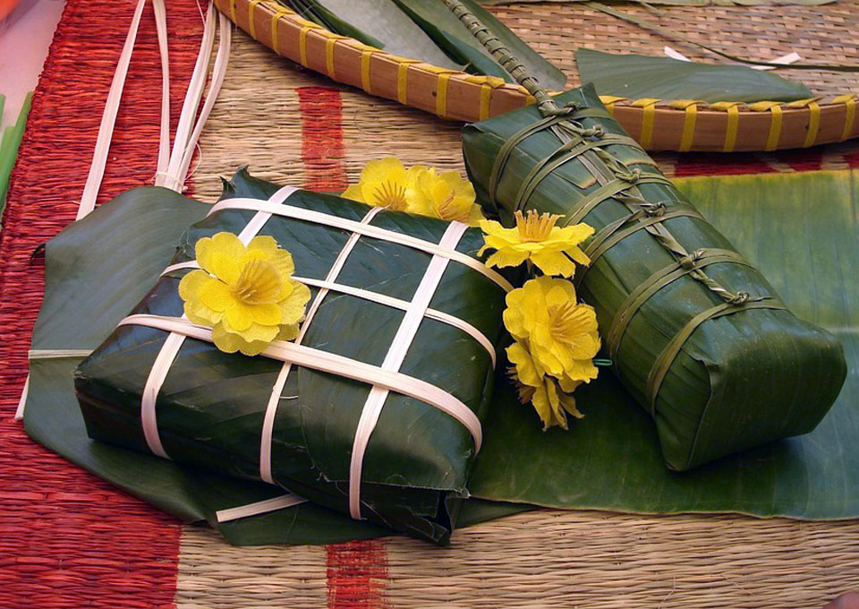 il Banh Chung: piatto simbolo della cucina vietnamita a base di carne di maiale, riso e fagioli.