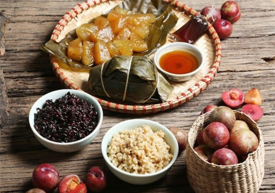 Tet Doan Ngo festività vietnamita