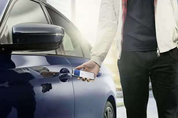 تدعم BMW الآن المفتاح الرقمي لـ iPhone - الآن يمكنك فتح سيارة BWM باستخدام iPhone CarKey