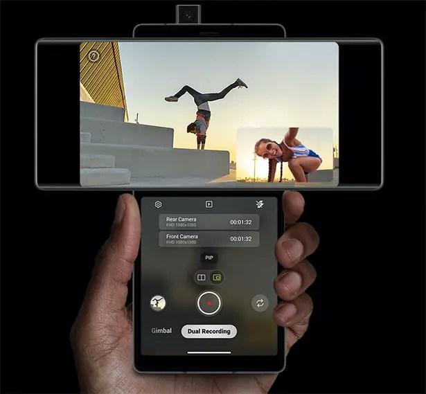 جناح LG - هاتف ذكي متعدد الشاشات مزود بخاصية الدوران