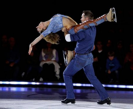 SINEAD KERR & GRANT MARSHALL BATTLE OF THE BLADES OCT
