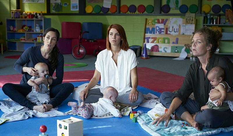 Kate (Catherine Reitman), Anne (Dani Kind), Frankie (Juno Rinaldi)