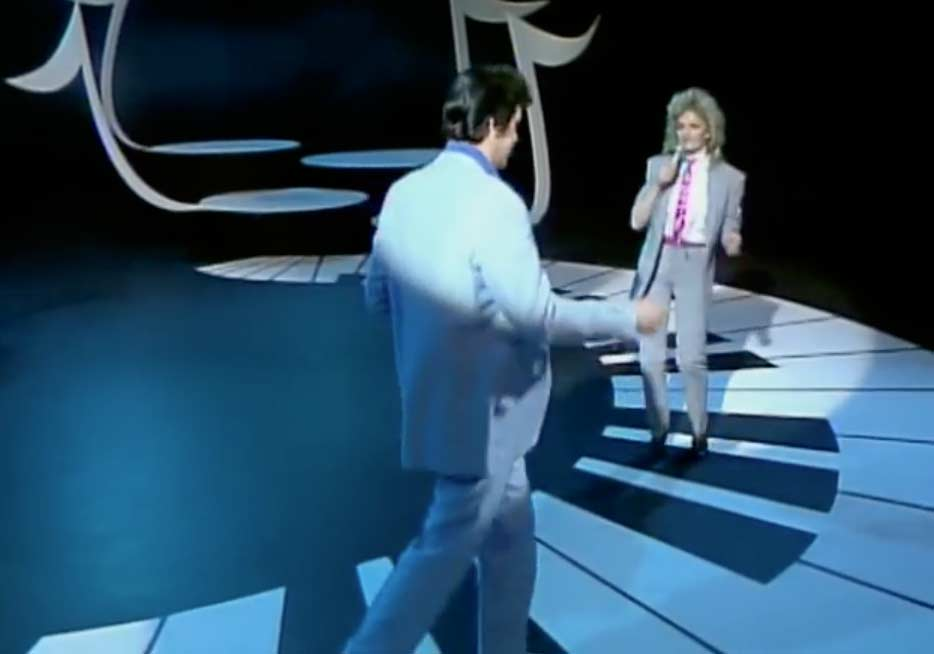 Bonnie Tyler and Shakin Stevens - Rockin' Good Way - Official Music Video