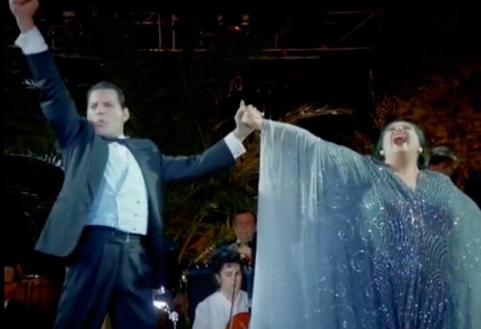 Freddie Mercury & Montserrat Caballé - Barcelona - Official Live Music Video