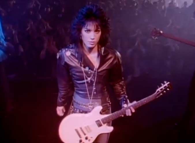 Joan Jett & The Blackhearts - I Hate Myself for Loving You - Official Music Video