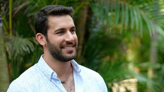 Bachelor In Paradise Derek leaves Paradise