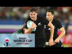 New Zealand Haka vs Fields of Athenry singing