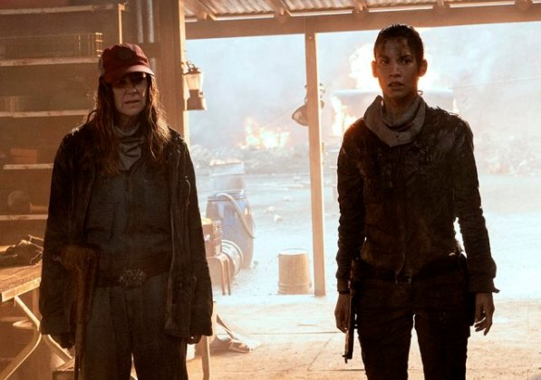 Sarah (Mo Collins) and Luciana (Danay Garcia) Fear the Walking Dead Season 6.