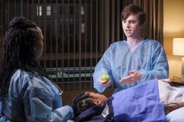 The Good Doctor Season 4 Episode 4 Photo - FREDDIE HIGHMORE - BRIA HENDERSON