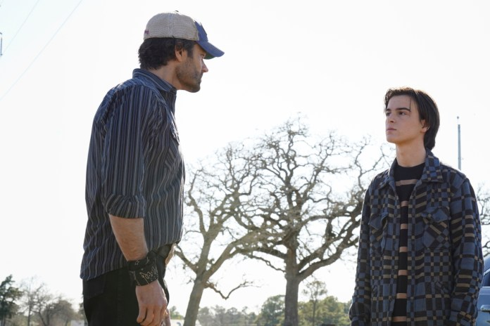 "Walker -- ""Duke"" -- Image Number: WLK105b_0438r -- Pictured (L-R): Jared Padalecki as Cordell Walker and Kale Culley as August Walker -- Photo: Rebecca Brenneman/The CW -- © 2021 The CW Network, LLC. All Rights Reserved."