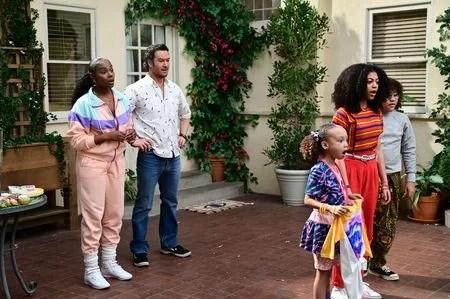 TIKA SUMPTER, MARK-PAUL GOSSELAAR, MYKAL-MICHELLE in Season Finale Mixed-ish Season 2 Episode 13 - Forever Young