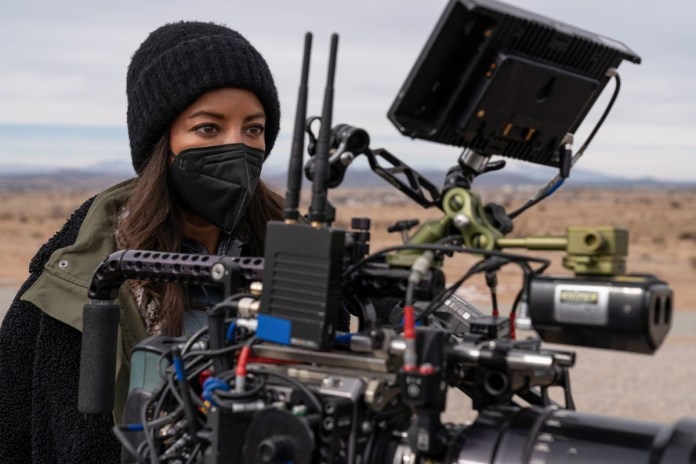 """Roswell, New Mexico -- """"Goodnight - Pictured (L-R): Behind the Scenes with Director, Heather Hemmens"""