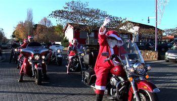 6e0418f9cbd43 Rock n Roll attitude ! Arrivée du Père Noël en Harley Davidson au ...