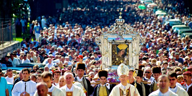 NA BLAGDAN VELIKE GOSPE: Svim Marijama, Marama, Marijanama, Maricama, …., želimo sretan imendan