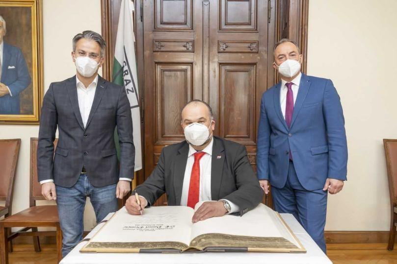 Grad Graz donirao 15.000 eura za kupnju stambenih kontejnera za nastradale u potresu u Sisačko-moslavačkog županiji