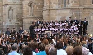 Coral Benaventana y Banda de Música Maestro Lupi
