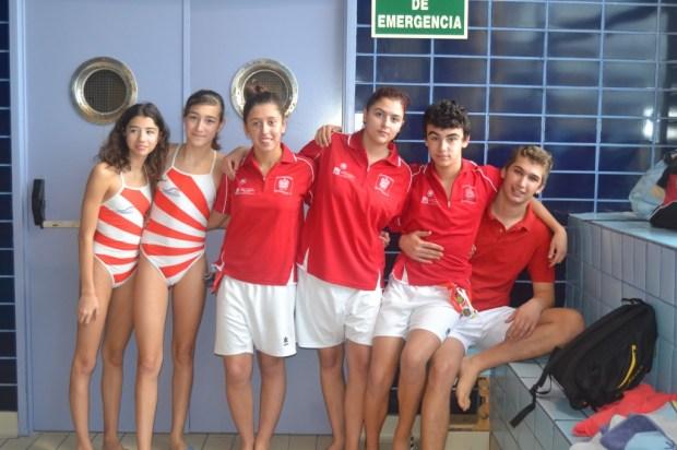 Varios de los nadadores participantes