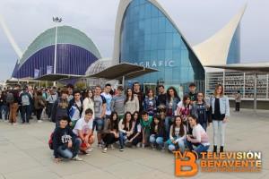 Grupo de alumnos en el Oceanografic