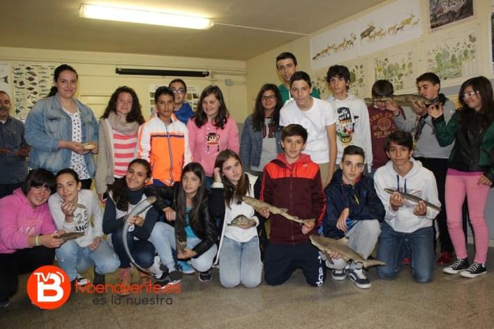 Grupo de alumnos con distintos ejemplares