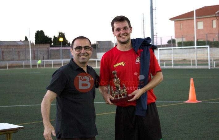 Entrega del Trofeo al equipo Campeón de Liga