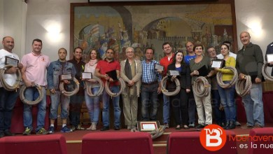 """Photo of Peñas y Asociaciones Benaventanas reciben su porción de maroma de """"Quite"""", Toro 2015"""