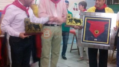 """Photo of Entrega de cheques a las peñas en la sede de la """"Paridón"""" con motivo de su 25º Aniversario"""