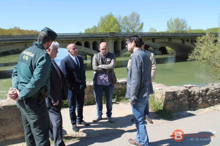 subdelegado visita puente castrogonzalo derrumbe 2016 - 04