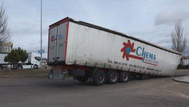 Photo of Vuelco de un camión en una rotonda de Benavente
