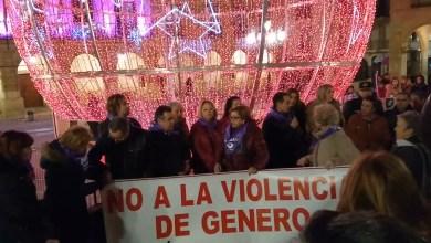 Photo of Concentración en la Plaza Mayor de Benavente por Laura, Leticia y todas las mujeres que han sufrido violencia de género