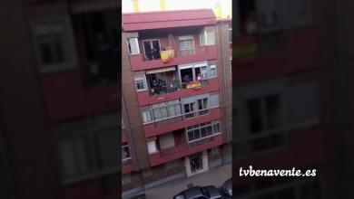 Photo of Bingo en los balcones de la Avenida La Libertad de Benavente