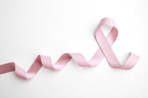 Outubro Rosa: especialista esclarece 10 mitos e verdades sobre o câncer de mama