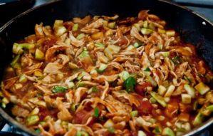 Refogadinho de frango com legumes da nutricionista Laís Murta