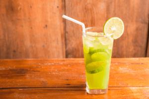 Tv Catia Fonseca 3 drinks para tomar no fim de semana Tequila com pepino