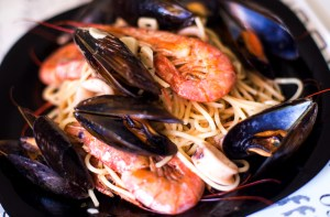 Spaghetti ai frutti di mare por Chef Anderson Laranjeiras