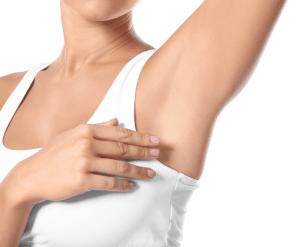 Como controlar o mau cheiro das axilas com Dra. Maria Paula del Nero