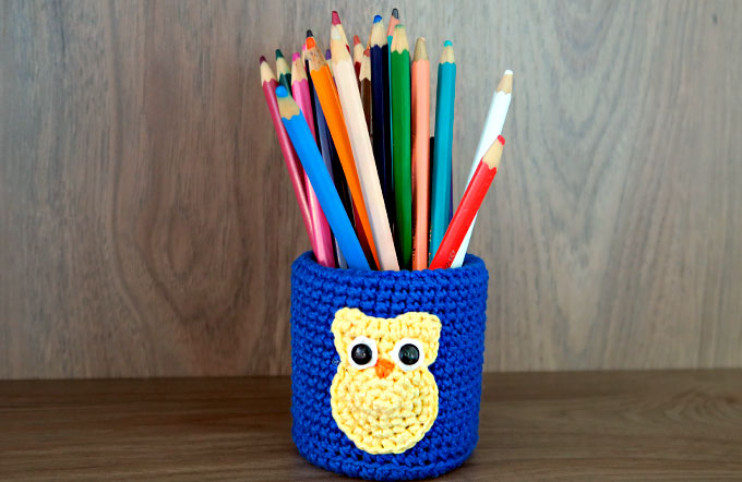 Porta-lápis de crochê por Juliana Albuquerque