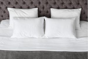 Você sabia que pode lavar o seu travesseiro? por Henrique Noel