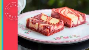 Vou revelar como fazer um dos meus doces preferidos: Brownie Red Velvet sem corante!