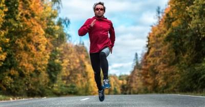 Tv Catia Fonseca Não esqueça os óculos escuros para praticar atividades físicas Dra. Keila Monteiro Homem correndo