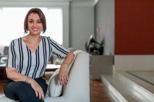 Cátia Fonseca abre seu apartamento e diz: 'Não sou regida pelo coração'