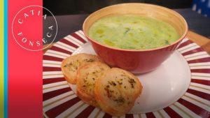 Faça sopa de creme de espinafre para aquecer no frio!!