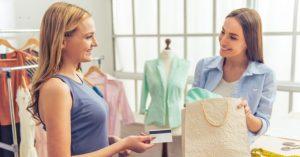 Como fazer compras inteligentes na liquidação por Érica Minchin