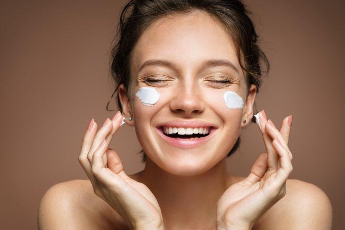 Cuidados diário para a manter a pele saudável por Giselle Sanches