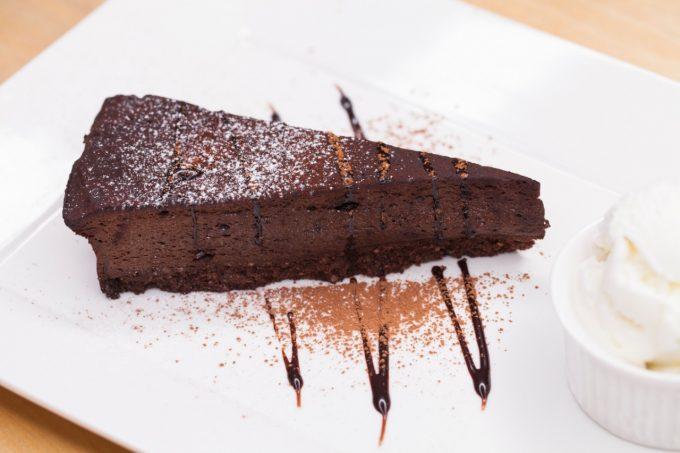 Choco punk pie (torta de chocolate) do Punk na Cozinha
