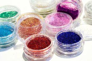 Maquiagem para carnaval: Use e abuse das cores e muito brilho!!