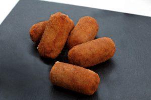 Croquete de carne com milho da Catia