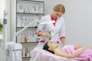 Laser a favor da beleza por Dra. Fernanda Nichelle